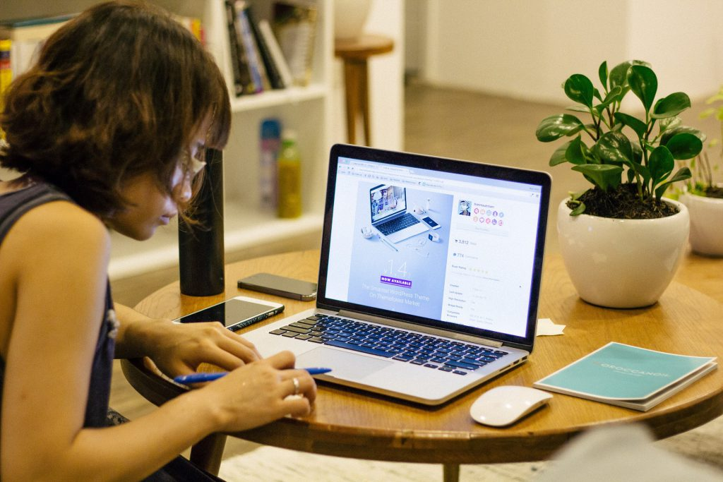 5 Work-At-Home Companies to Work For and Earn Money